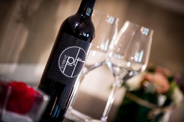 Vino rosso Cabernet o Merlot